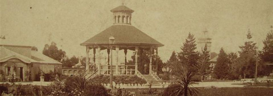 1892-Machattie-Park